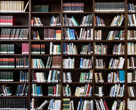 """Biblioteka Augustów: Podsumowanie konkursu plastycznego """"Czy to bajka, czy nie bajka … i inne utwory Marii Konopnickiej"""""""
