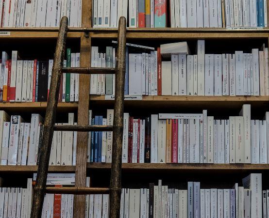 """Biblioteka Augustów: """"Na dworcach, w pociągach i tramwajach"""""""